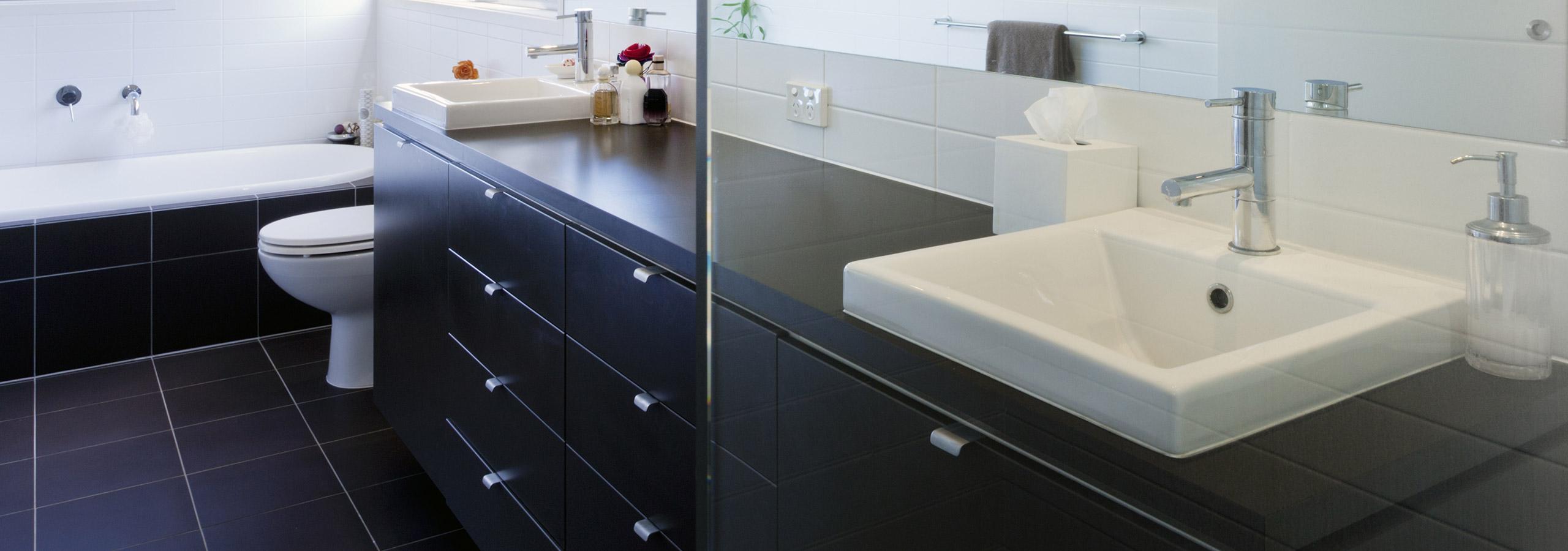 badkamermeubels en spiegelkasten plaatsen rondom vlijmen